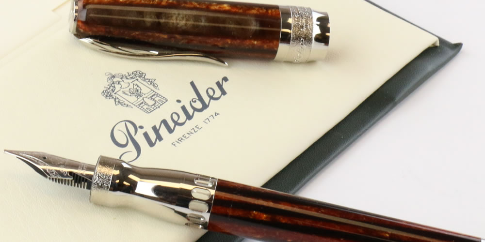 Pineider Arco Oak Fountain pen