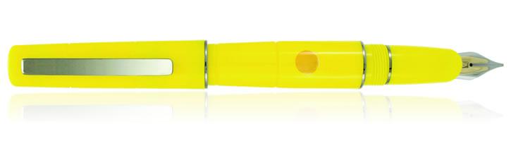 Delta Oblo Fountain Pen in Yellow with Fusion Nib