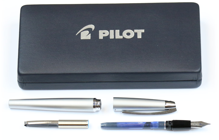 Pilot Knight review - fountain pen disassembled and box
